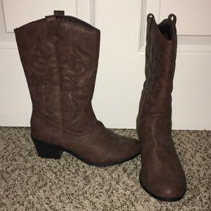 Boutique Cowboy Boots in Brown